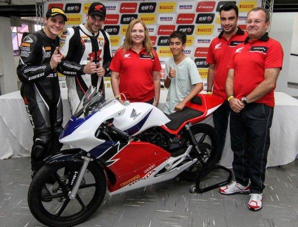 CG 150 Titan 2013 versão de corrida para pistas Junior Cup