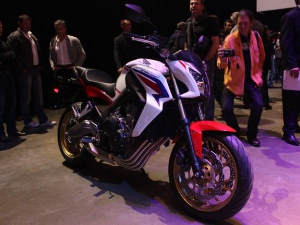Nova Honda Hornet 650 2014 se chama CB 650F