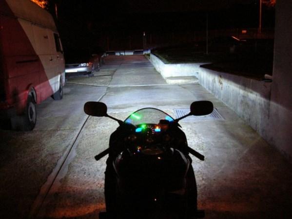 Usar farol Xenon em moto nao e proibido