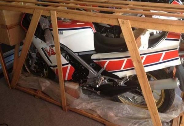 Rarida de Yamaha RZ500N 1985 chada intacta
