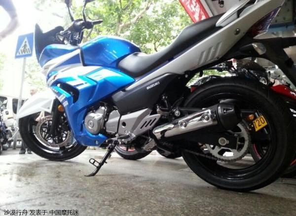 Nova Suzuki Inazuma 250 esportiva GW250F 2015