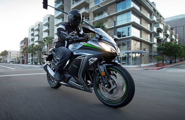 Nova Kawasaki Ninja 300 ABS 2015 04 SE
