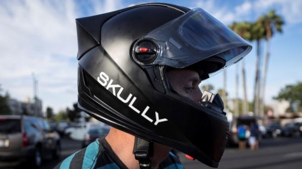 Capacete inteligente Skully AR-1 com HUD