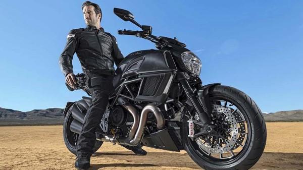 Ducati-lanca-Diavel-2015-1