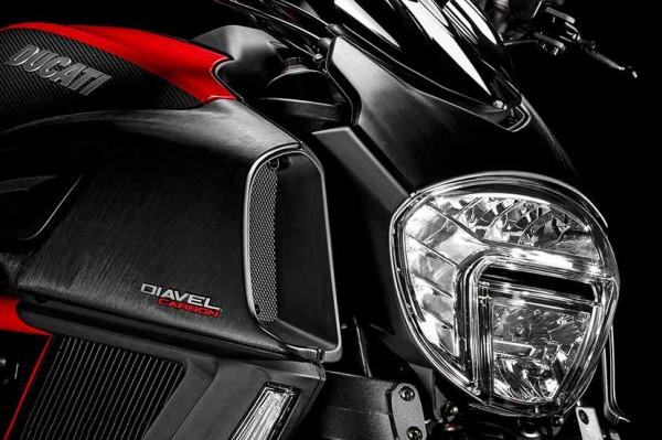 Ducati-lanca-Diavel-2015-5