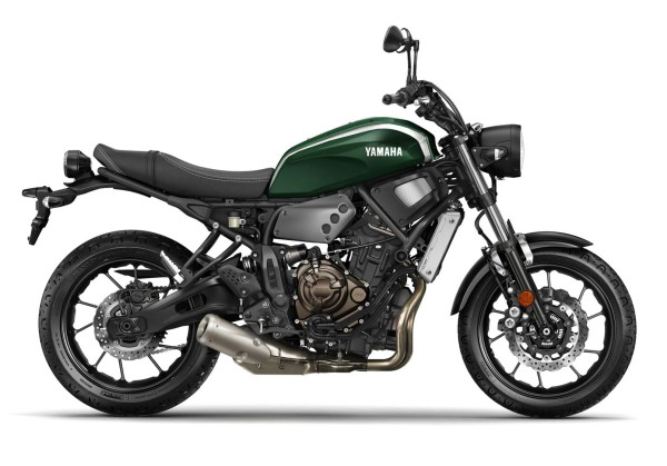 2016-Yamaha-XSR700-EU-Forest-Green-Studio-002