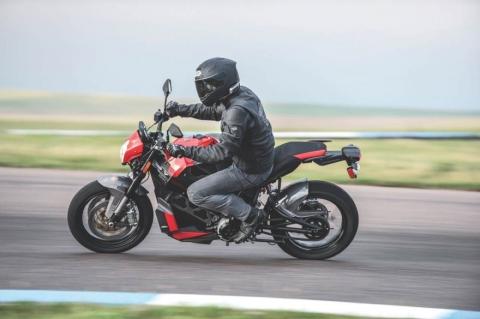 nova-moto-eletrica-empulse-tt-victory-4