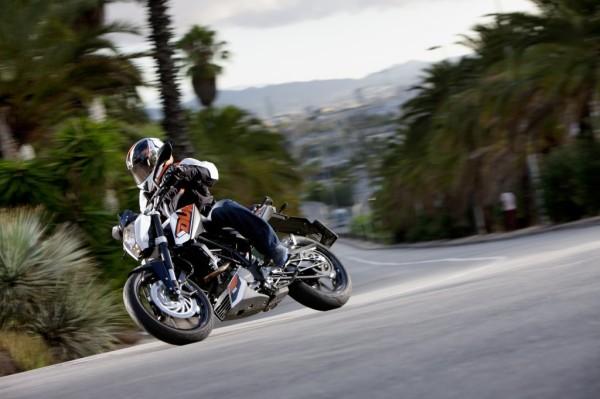 nova-moto-ktm-duke-200-1