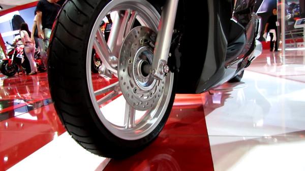 freio-honda-scooter-sh-300i