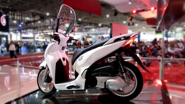 honda-scooter-sh-300i