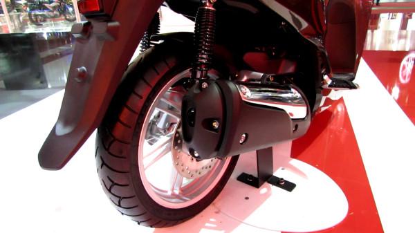 traseira-honda-scooter-sh-300i