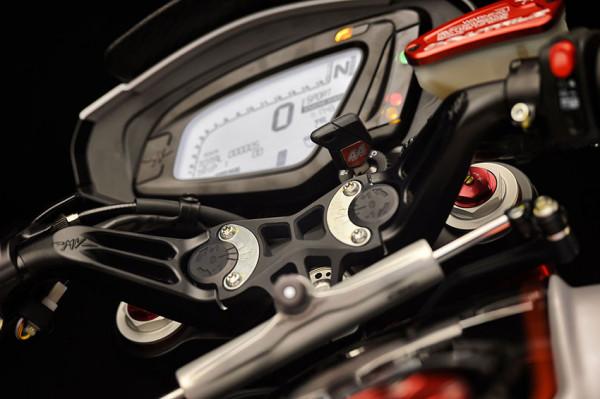 moto-dragster800-rr-mv-agusta-lh-44-9
