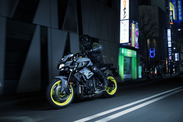 mt-10-nova-moto-yamaha-3