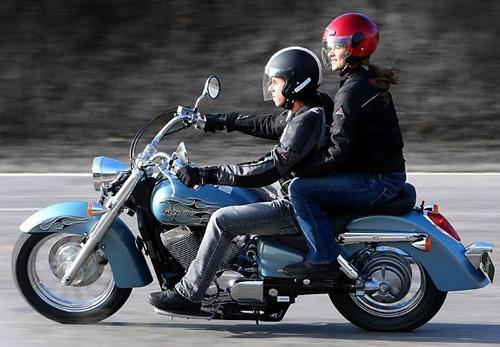 Proibição De Garupas Em Motos Em SP É Vetado Por Alckmin
