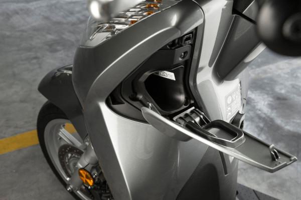 Honda SH 300i – Scooter pode chegar custando R$24 mil! 10