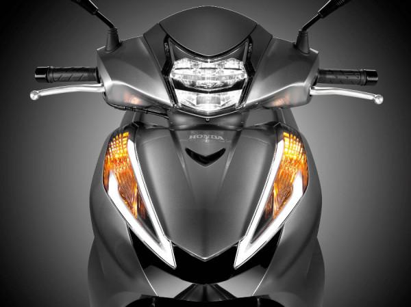 Honda SH 300i – Scooter pode chegar custando R$24 mil! 8