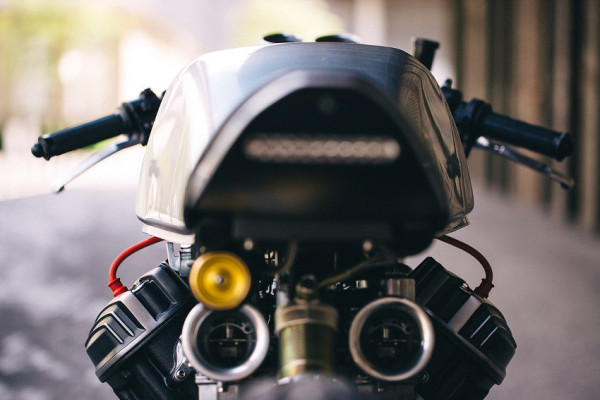 Blacktrack BT-01 – Café Racer com DNA da Honda CX 500 8