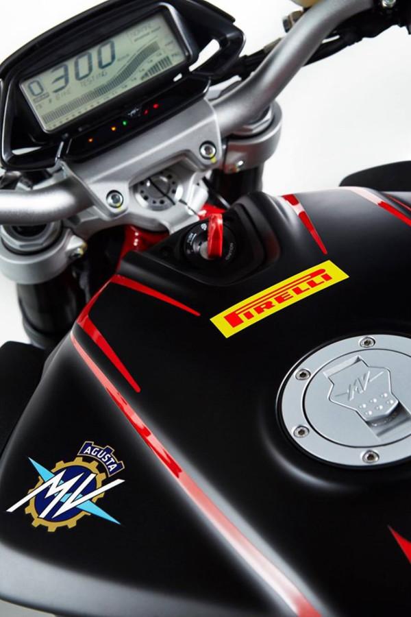 MV Agusta Diablo Brutale 800 1