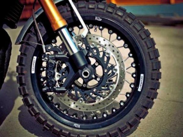 Yamaha XJR1300 Scrambler é custom para ninguém botar defeito 7