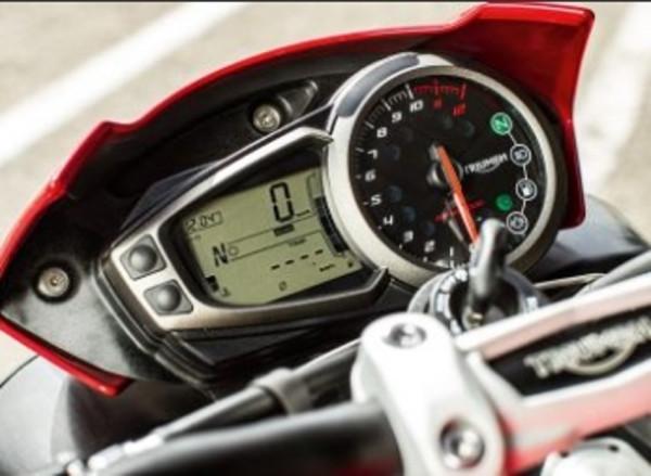 Triumph Speed Triple R começa suas vendas 4