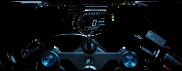 Honda CBR 250RR lançada para competir com Ninja 300 e R3 5