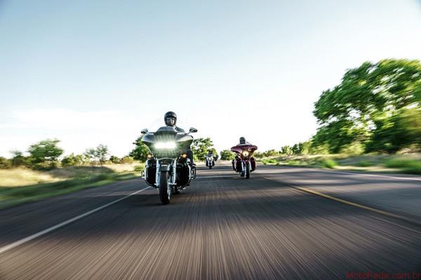 Harley-Davidson Street Glide CVO é SUV de duas rodas 6 lançamentos 2017 lançamentos harley-davidson