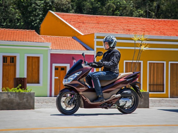 novo honda pcx 150 2017 lan ado motorede. Black Bedroom Furniture Sets. Home Design Ideas