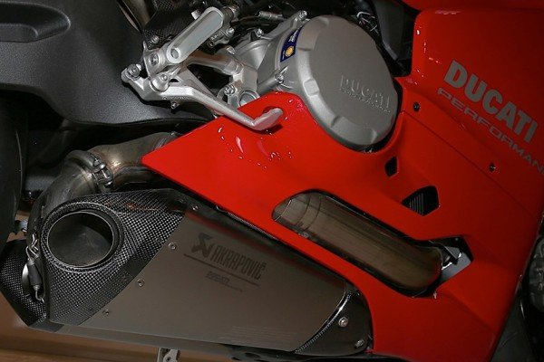 ducati-959-panigale-special-edition-4