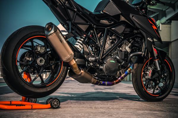 KTM 1290 Super Duke R 2017 5