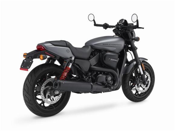 Harley Davidson Street Rod 750 3 Motorede