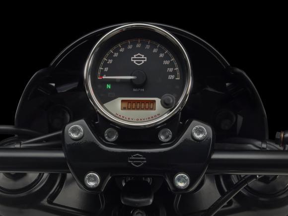 Harley-Davidson Street Rod 750 7