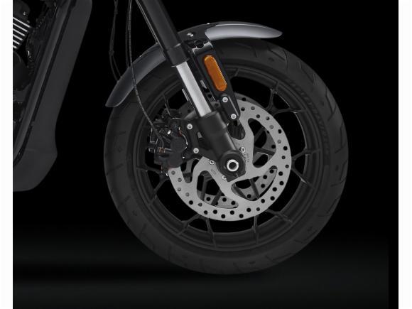 Harley-Davidson Street Rod 750 8