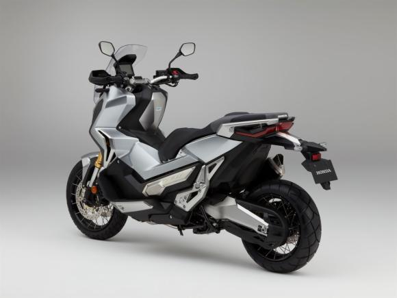 Honda X-ADV 4