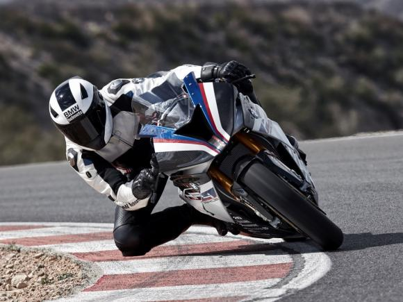 BMW HP4 Race 1