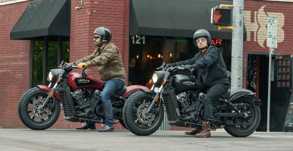 Indian Scout Bobber Vermelha