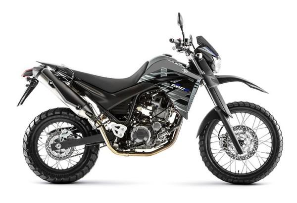 Yamaha XT 660R 2018 Preta Lateral