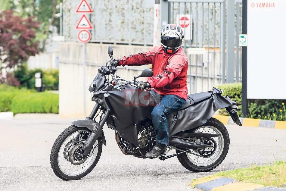Yamaha t n r 700 flagrafa nas ruas motorede for Yamaha 700 tenere
