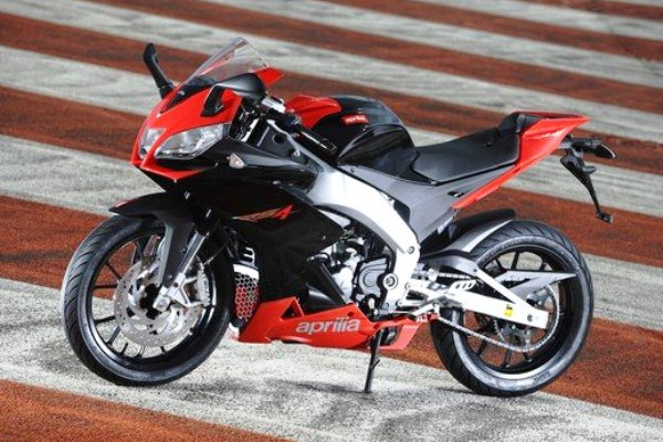 aprilia rs4 125cc 50cc 2011 02 motorede. Black Bedroom Furniture Sets. Home Design Ideas
