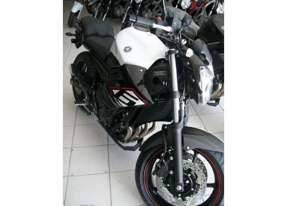 Nova Yamaha XJ6 N SP 2015