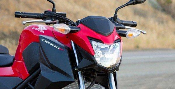 Revelada fotos da nova Honda CB 300F 2015