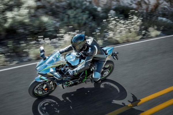 Kawasaki lança Ninja H2 com 200cv