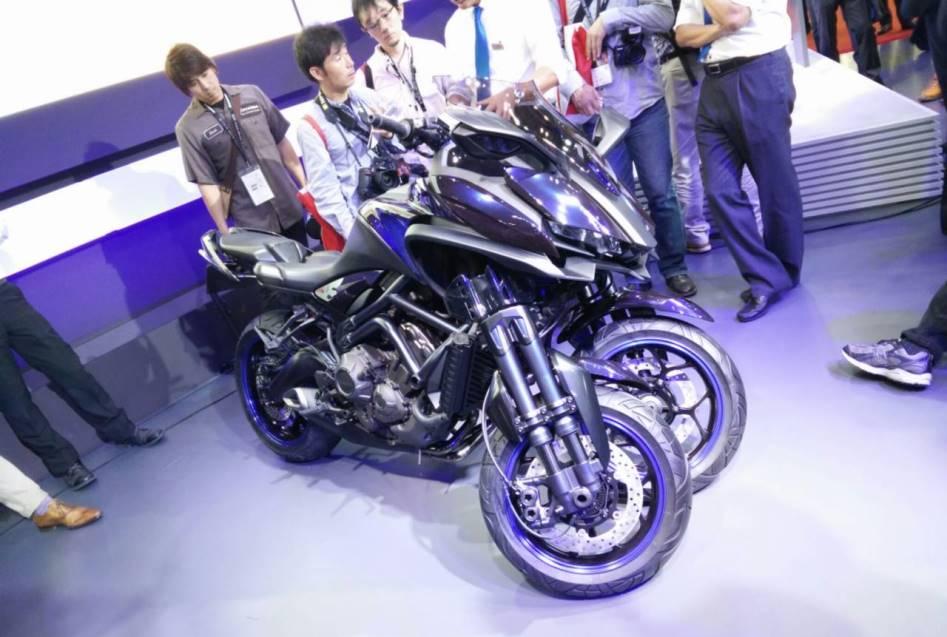 Nova Yamaha MWT-9 de três rodas