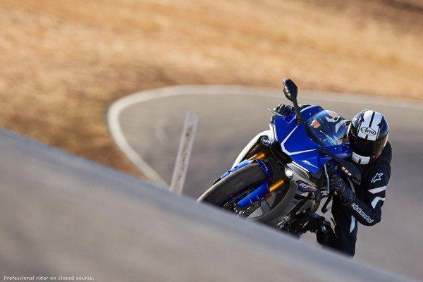 Nova Yamaha R1 será comercializada por valores a partir de R$125.990