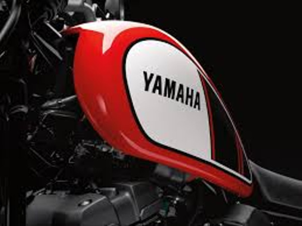 Yamaha SCR950 é custom com pegada scrambler 3
