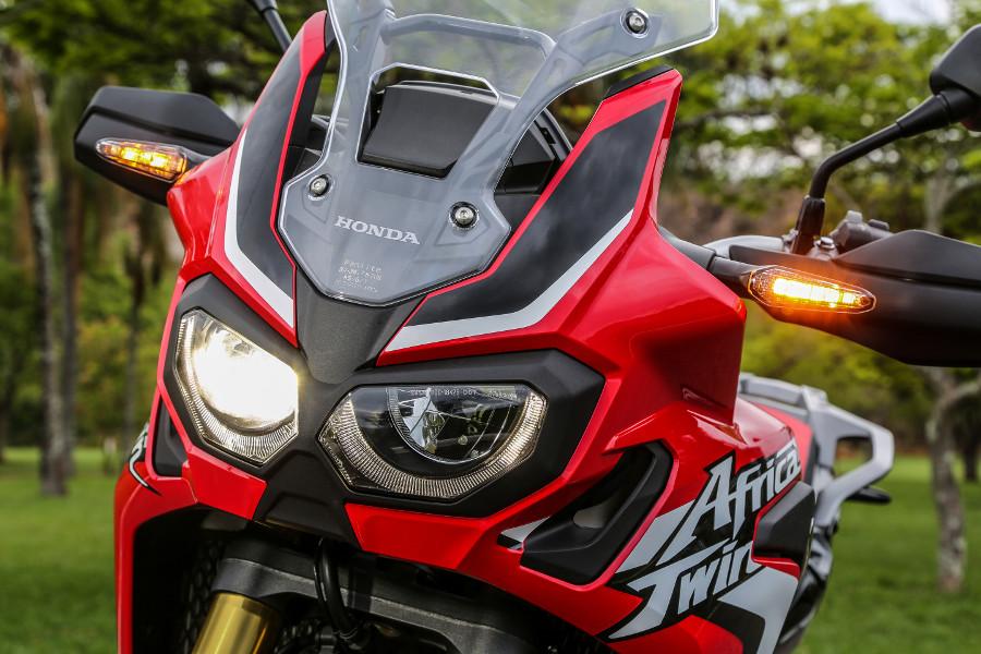 Honda Crf L Africa Twin Lan Amentos on Custom Triumph Motorcycles
