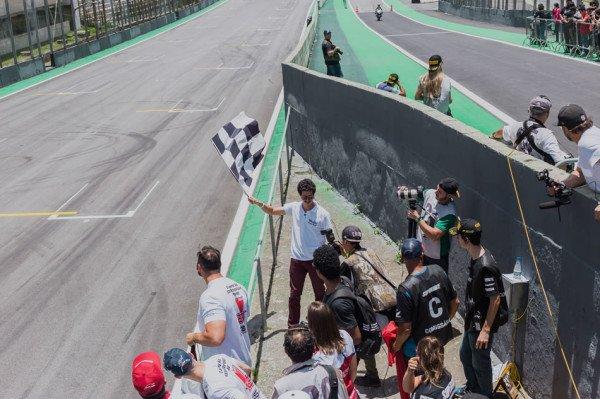Video Honda CBR 600RR Eric Granado SuperBike Brasil