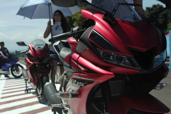 Yamaha YZF-R15 2017 04