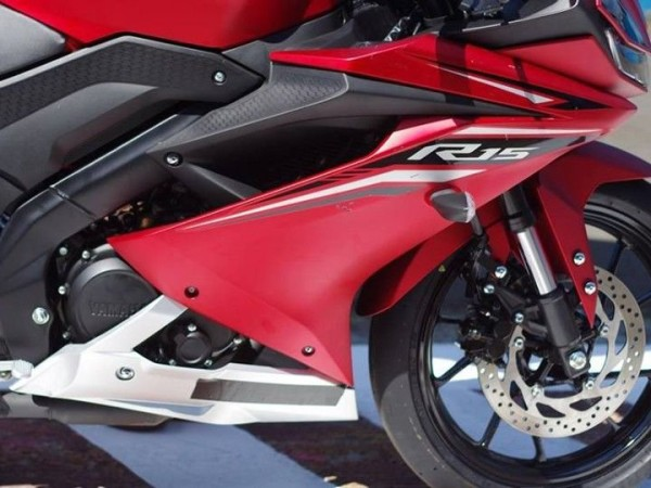 Yamaha YZF-R15 2017 08