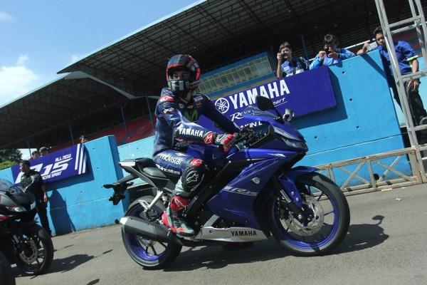 Yamaha YZF-R15 2017 11