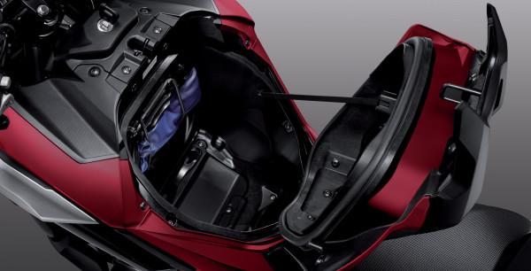 Honda NC 750 X 2018 Compartimento Tanque